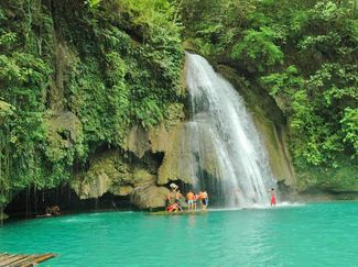 image source: cebu-philippines.net/kawasan-falls.html