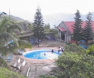 jvr swimming pool 300x250 JVR Island in the Sky Resort