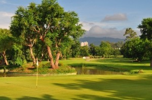 cebucountry pinoygolfer 300x197 Golfing Spree in Cebu
