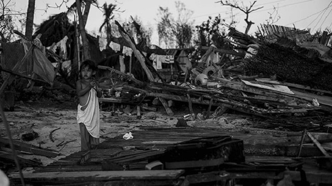 http://www.rappler.com/move-ph/issues/disasters/typhoon-source: yolanda/43837-emergency-shelter-kits-bantayan-island