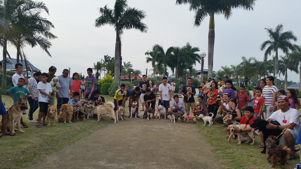 members of the Dog Owners Group in Balamban