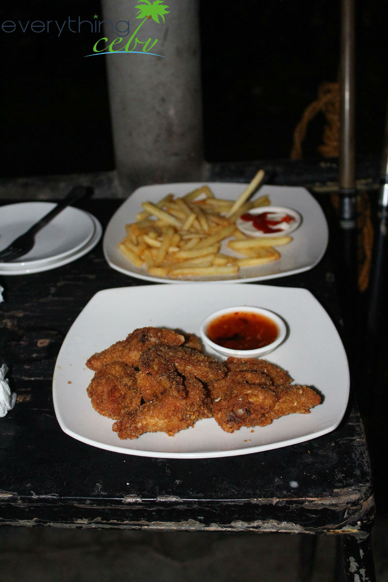 some of the bar's delicious pica-pica or finger food