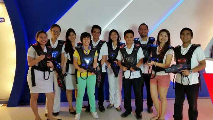 Players with Laser Blitz' manager, Liezl Mae Jao. Image from: Laser Blitz' Facebook page