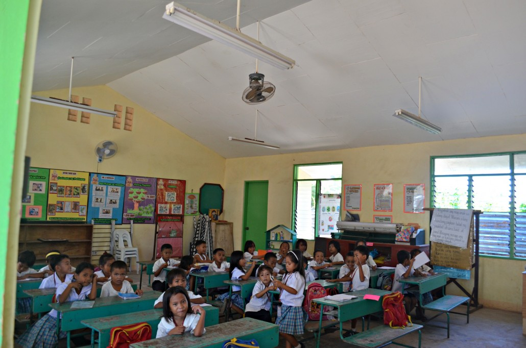 In classroom like this one, made for 35 students, dozens and dozens of families were cramped during the typhoon. © Stephanie Bouaziz 2014
