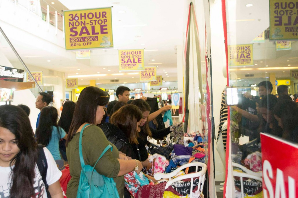 Shoppers going here and there to take advantage of the mall-wide sale
