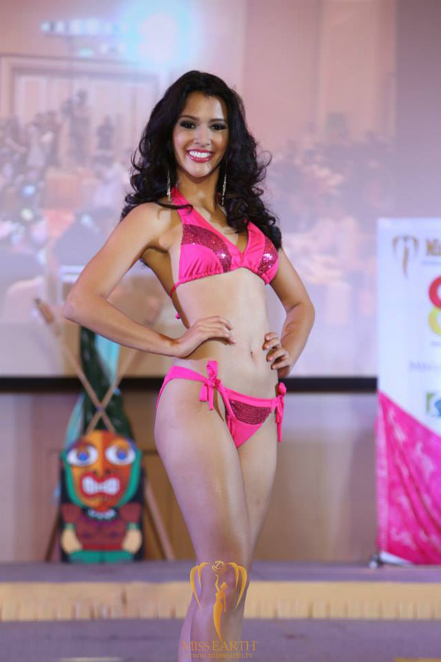 Swimsuit Presentation in Solaire Resort for Ms Earth 2014