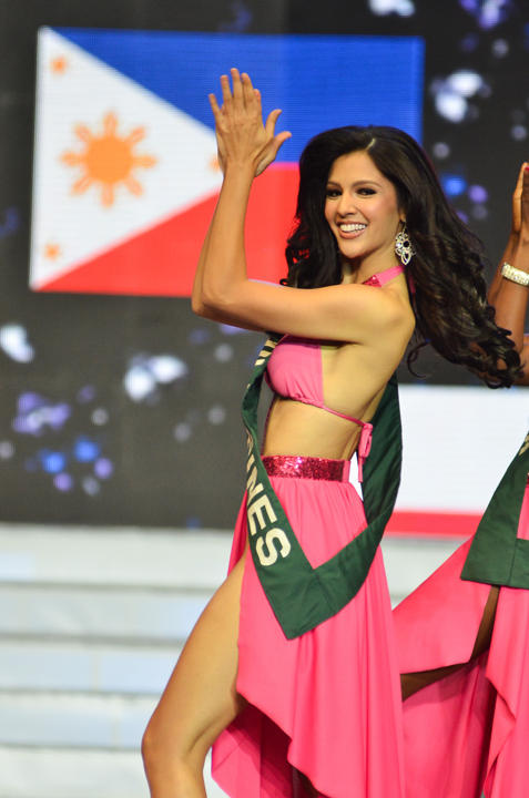 Production Number during the Coronation Night of Ms Earth 2014 (source: https://ph.celebrity.yahoo.com)