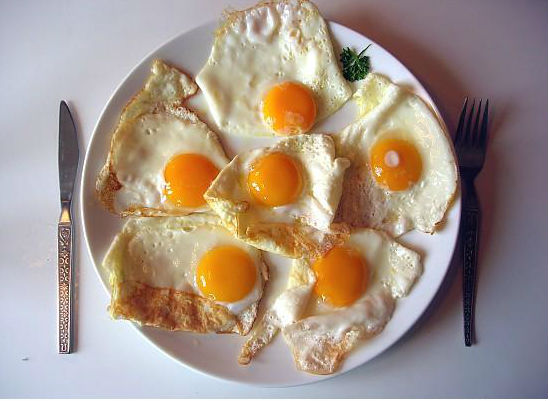 Eat eggs for breakfast. (image source: www.diseaseproof.com)