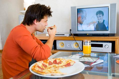 Don't eat while watching TV or eating. (image source: bodybalance4you.wordpress.com)