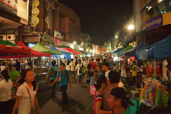 The night market that's open whole month of December 2014. (image source: http://metrocebu.com.ph)