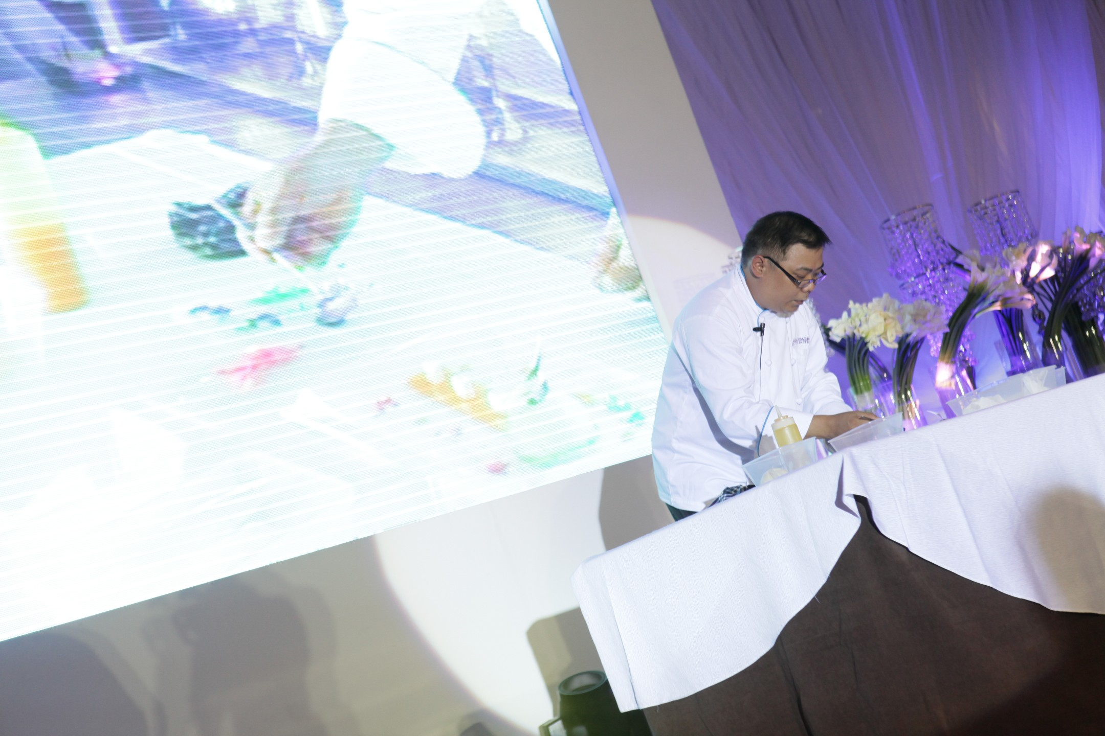 Radisson Blu Cebu's Executive Pastry Chef Allan Barrios presented a white chocolate panna cotta with mango sauce and a secret French macron recipe