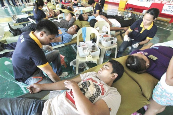 police-donating-blood