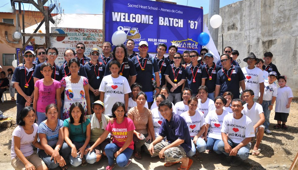 SHS-AdC GK Village Painting Day - Batch '87 with beneficiaries (Aug. 26, 2012)